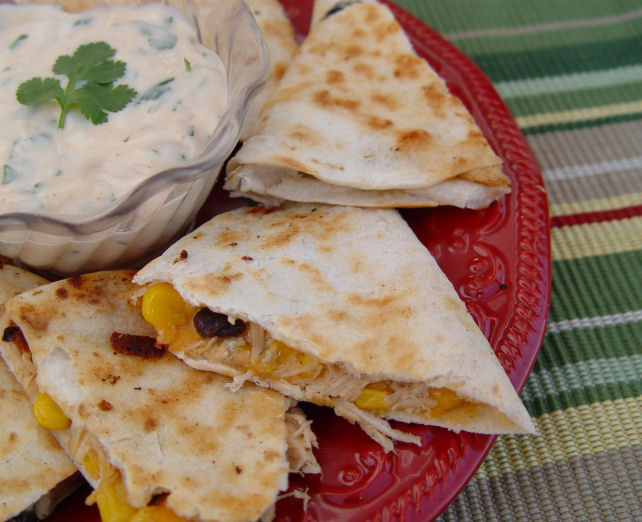 Chicken and Black Bean Quesadillas with Creamy Chipotle Dip