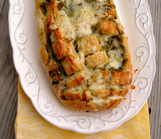 Cheesy Pesto Pull-A-Part Bread