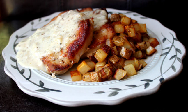Skillet Pork Chops with Fried Potatoes and Gravy