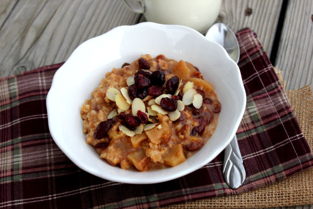 Overnight Cranberry Orange Steel Cut Oats (Crockpot)