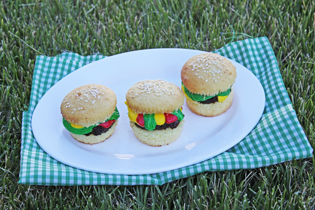 Cute Hamburger Cupcakes from Jamie Cooks It Up!