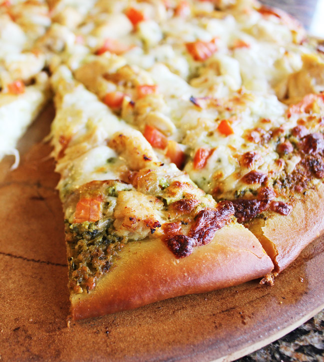 Chicken Pesto Pizza from Jamie Cooks It Up!