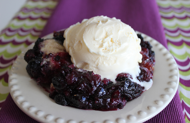 Crock Pot Berry Cobbler