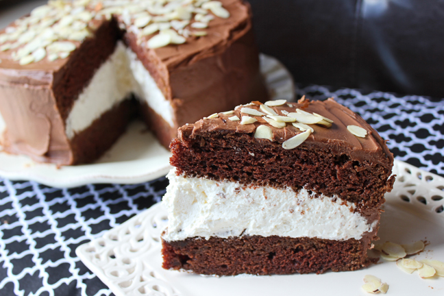 Snickers Poke Cake Recipie Uk