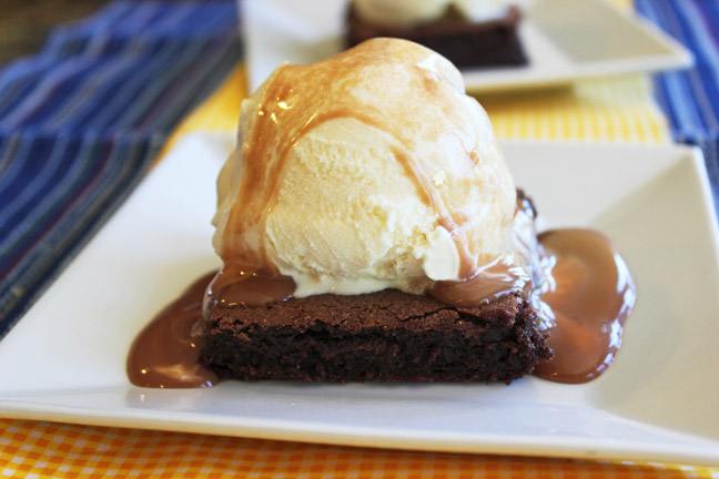 Hot Fudge Brownie Sundays for a Crowd