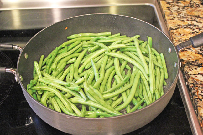 how to cook canned green beans with bacon