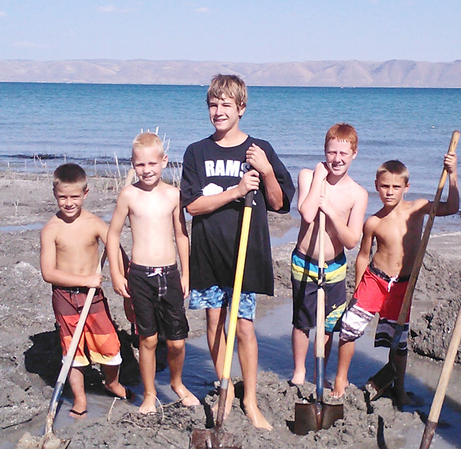 The Weekend Report: A barrel full of boys, sand and shovels