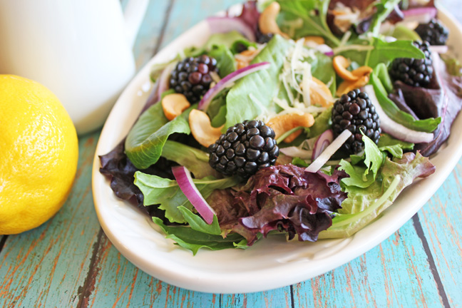 Blackberry Cashew Salad with Lemon Poppyseed Dressing