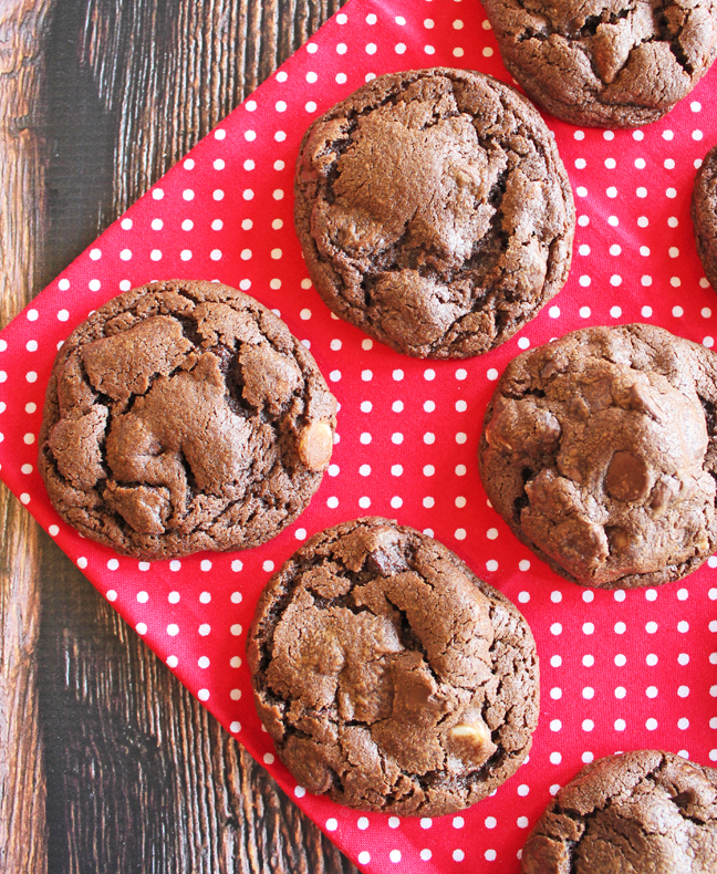 Double Chewy Chocolate Cookies_edited-1