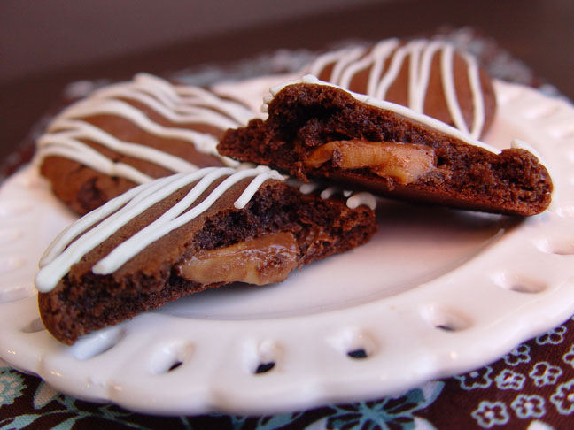 chocolate-rolo-stuffed-cookies