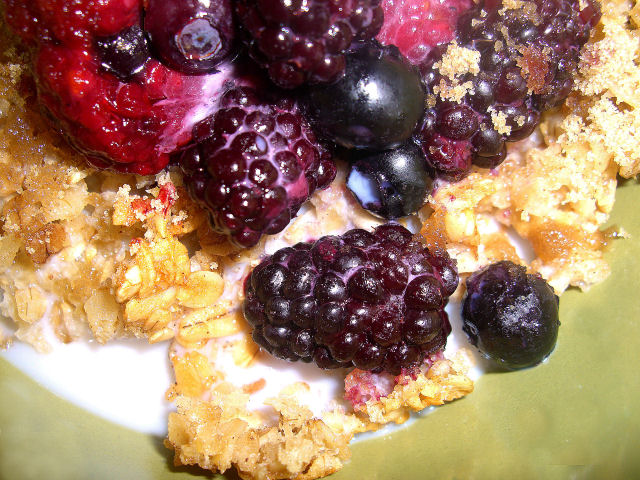 Baked Oatmeal with berries