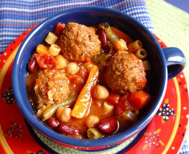 Meatball Minestrone Soup (Crock Pot)
