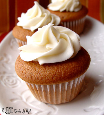 Pumpkin Mousse Cupcakes