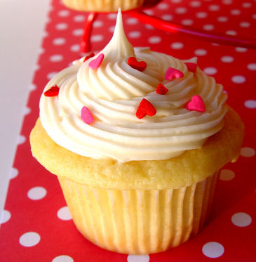 Vanilla Cupcakes with Raspberry Filling