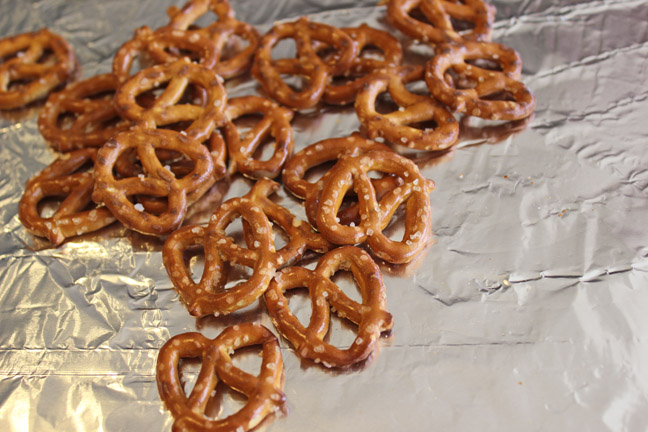 Easy Toffee Pretzel Bark Jamie Cooks It Up Family Favorite Food