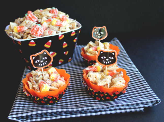 Halloween Munch Mix