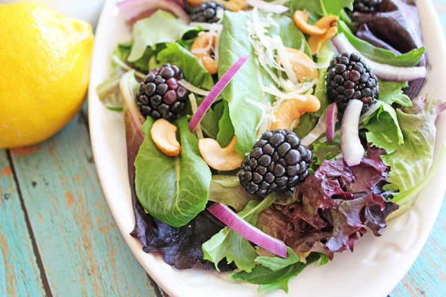 Blackberry Cashew Salad