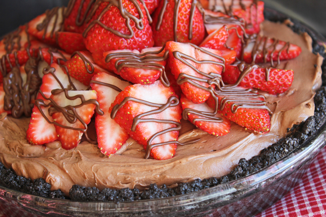 Nutella Strawberry Pie from Jamie Cooks It Up!