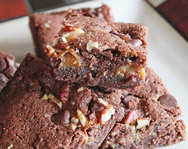 loaded-turtle-brownies-at-jamie-cooks-it-up