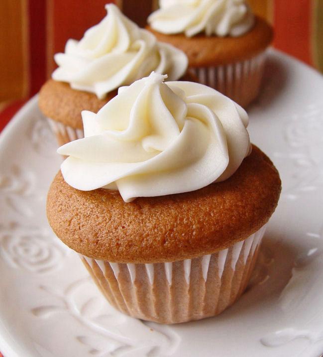 pumpkin-mousse-cupcakes