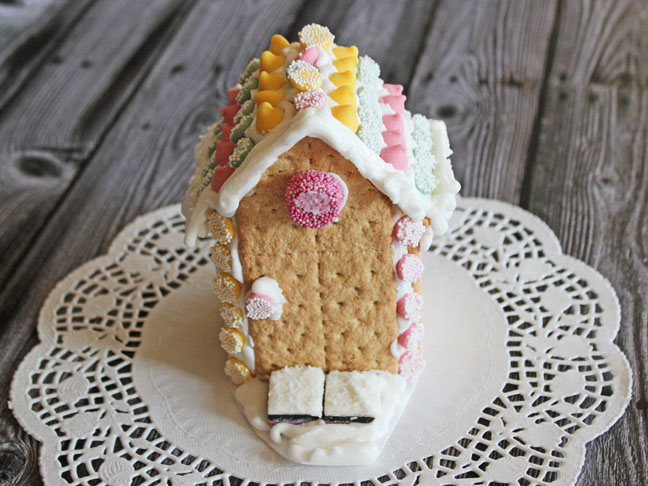 How to Make Royal Icing for Gingerbread Houses