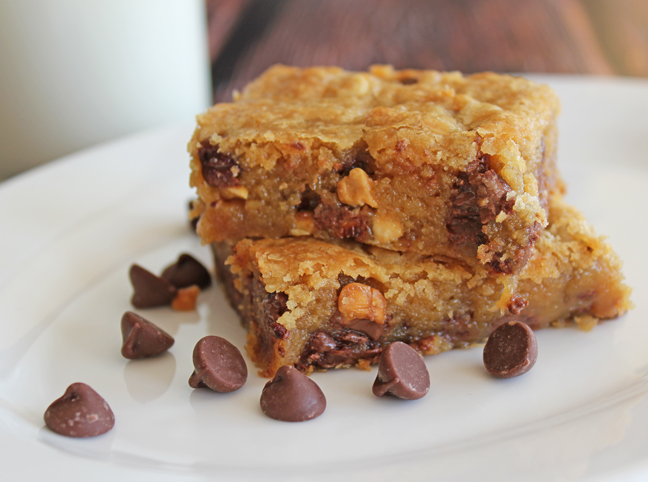 Peanut Butter Chocolate Chip Cookie Bars