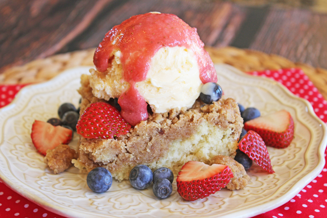 Berry Crumb Cake with Strawberry Sauce (Chili's Copycat)